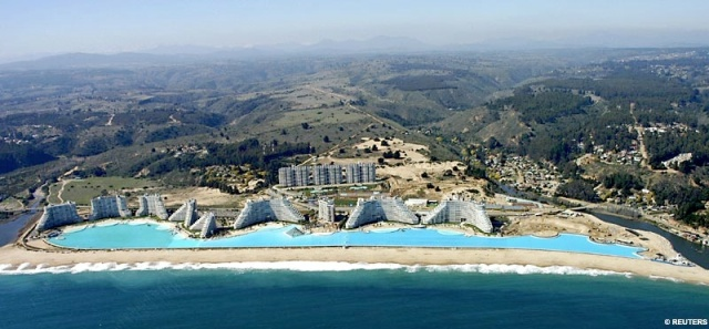 The world's largest swimming pool - San Alfonso del Mar resort at Algarrobo, on Chile 's southern coast